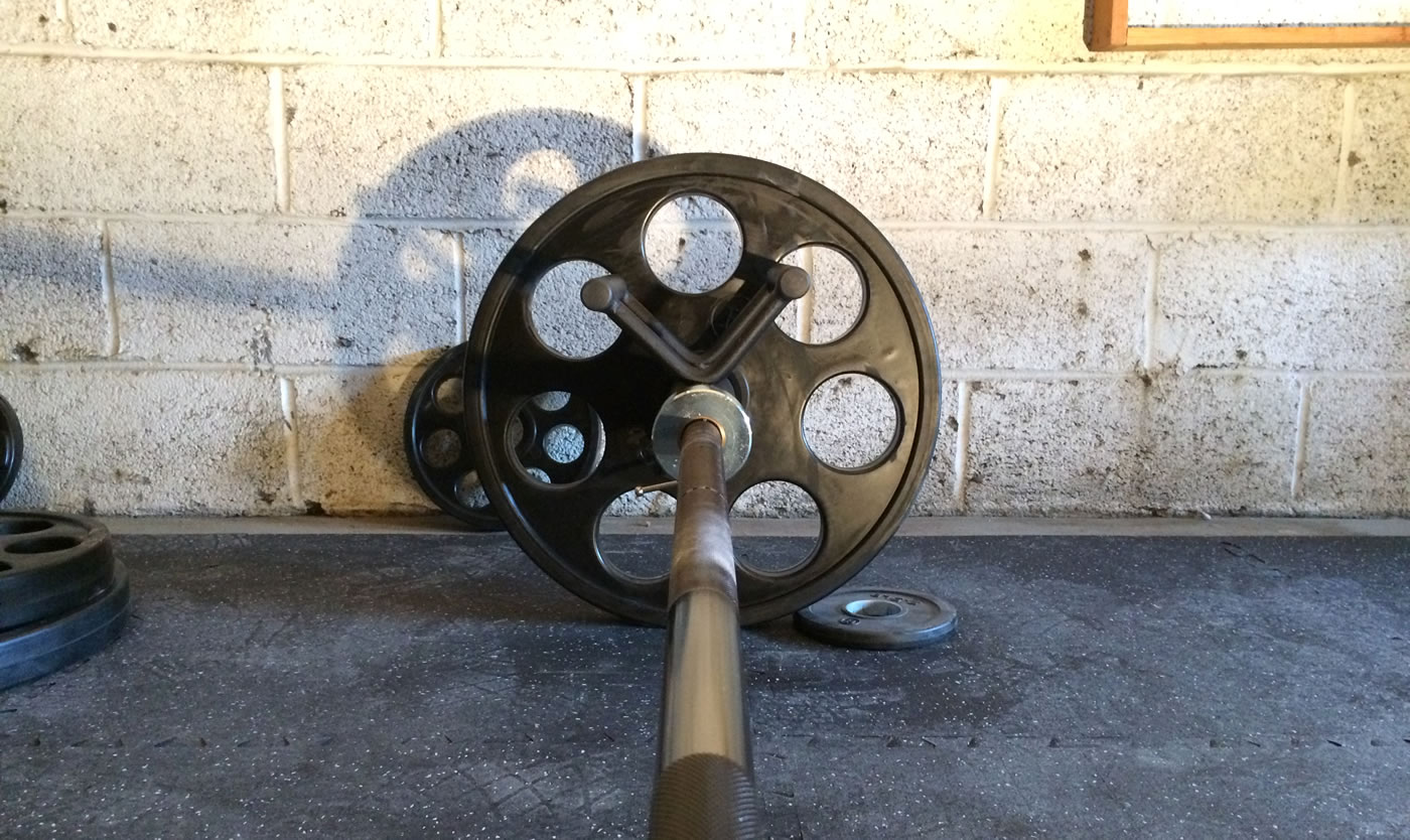 Home gym - CFF landmine double d olympic bar rowing attachment.